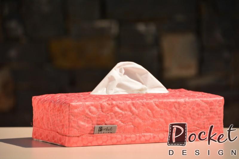 Box na kapesníky červený s jemným vzorem