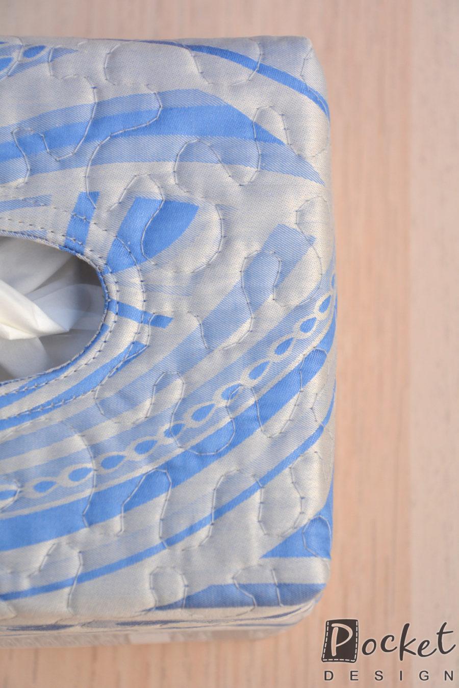 Box na kapesníky v bledě modré s béžovouBox na kapesníky v bledě modré s béžovou