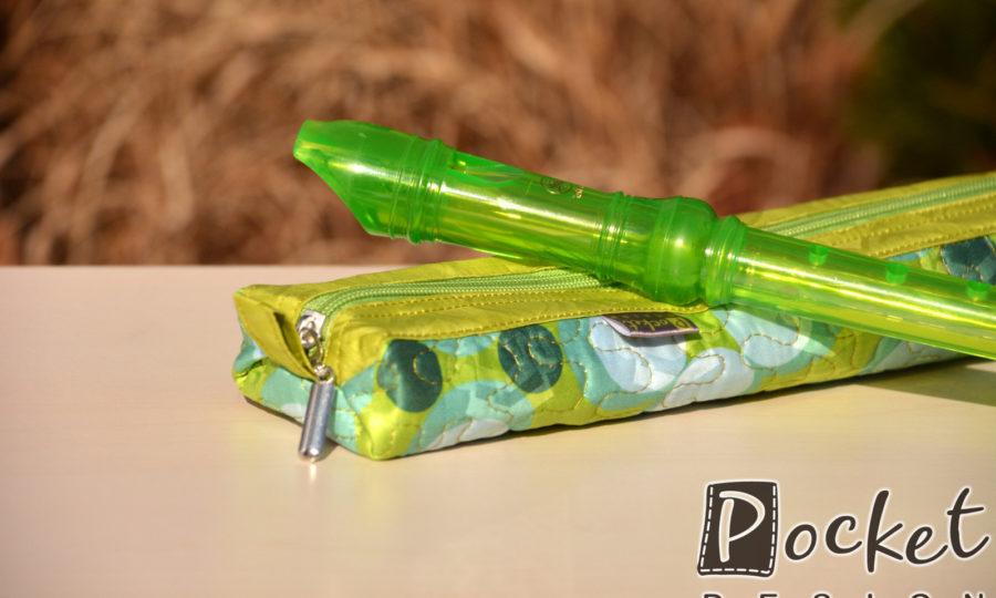 Obal, pouzdro na dětskou flétnu se zelenými puntíky