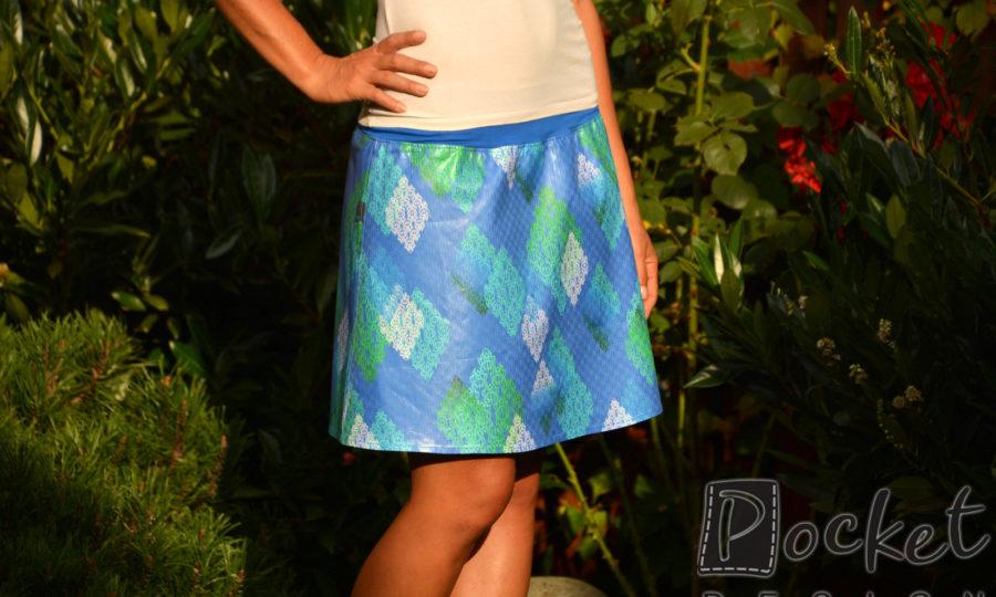 Sukně krátká modrá se vzorem