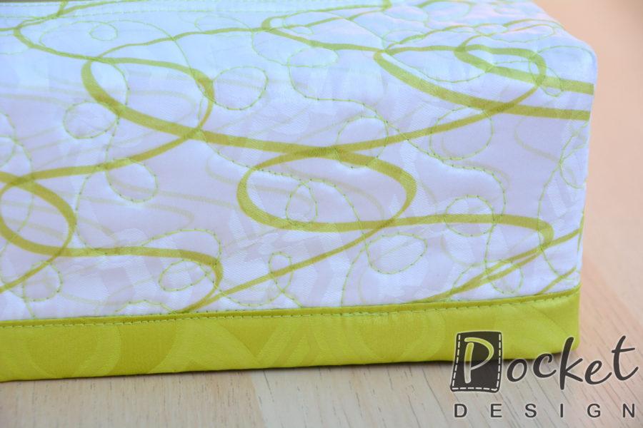 Box na kapesníky bílý s limetkovým vzorem a lemem