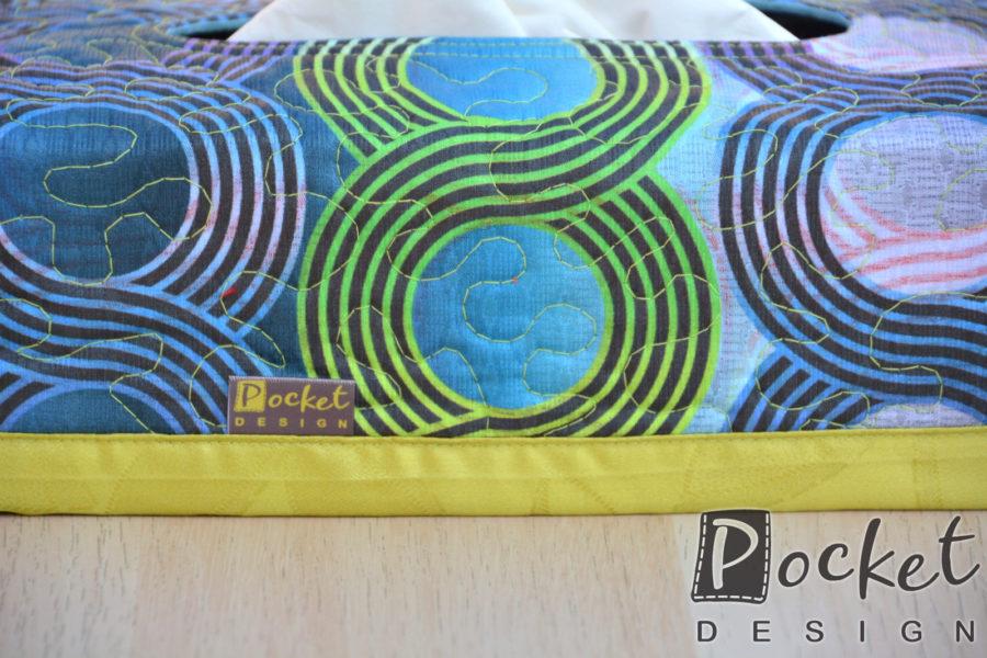 Box na kapesníky barevný s kruhy